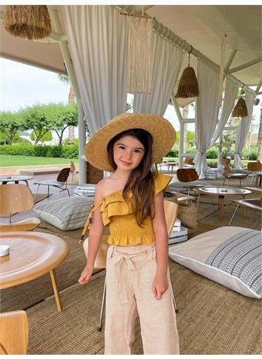 Hilal Akıncı Kids Kiz Çocuk Kazayaği Desenlı Salaş Pantolon Gıpelı Tek Omuz Bluz Ikılı Takim Sarı